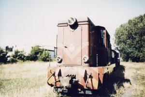 Pociąg turystyczny na towarowej części stacji Witkowo.