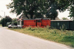 Lxd2-343 na tle dworca w Powidzu.