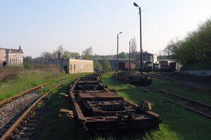 Transportery wąskotorowe Tddyyhp, w większości pochodzące z Sompolna.
