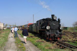 Pociąg prowadzony Px48-1785 na stacji Niechanowo.