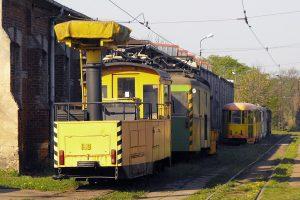 Kolejne wagony techniczne, pierwszy #109. W tle wagony 803N #30 i 102NaW #28.
