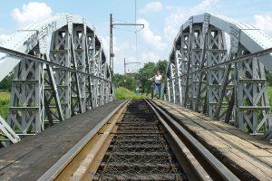 Most w Lutomiersku.