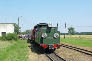 Px29-1704 z pociągiem rozkładowym na stacji Tułowice.