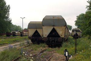 Kolejne wagony samowyładowcze.