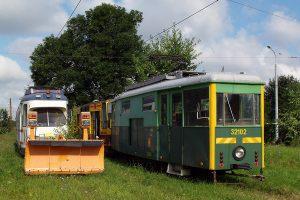 Techniczne wagony #32102 i #92002.