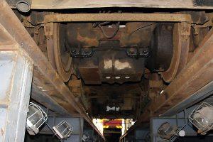 Techniczny wagon 2N #12011 od spodu.