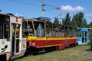 Całkowicie rozbity wagon #1007.