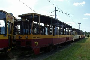 Mocno zdekompletowany wrak wagonu #1420.