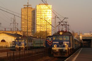 Łódź Fabryczna - EP07-517, SM42-189 i EU07-085.
