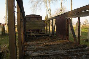 Rogów Wąskotorowy Towarowy - oczekująca odnowienia węglarka Wddx.