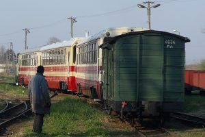 Rogów Wąskotorowy Towarowy - 3/4 tych wagonów pojedzie dzisiaj.