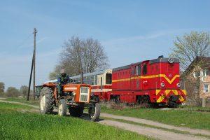 Głuchów - spotkanie z rolniiem na klasycznym Ursusie.