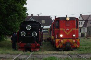 Oba pociągi gotowe do powrotu.